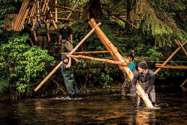Building the Koeye Salmon Weir, a partnership project between the Heiltsuk First Nation and Hakai Institute
