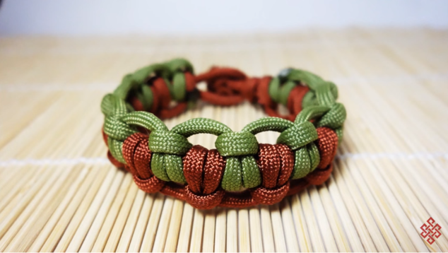Half Hitched Paracord Guild