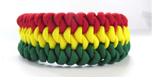 3,Colour Mated Snake Paracord Guild