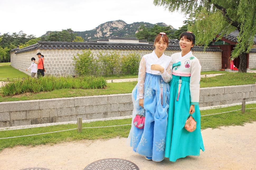 two traditional korean korea women woman
