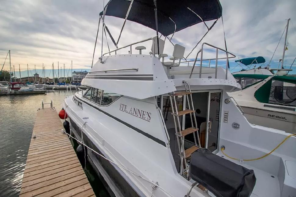 You Could Rent a Room   Or You Could Airbnb These 5 Boats Instead