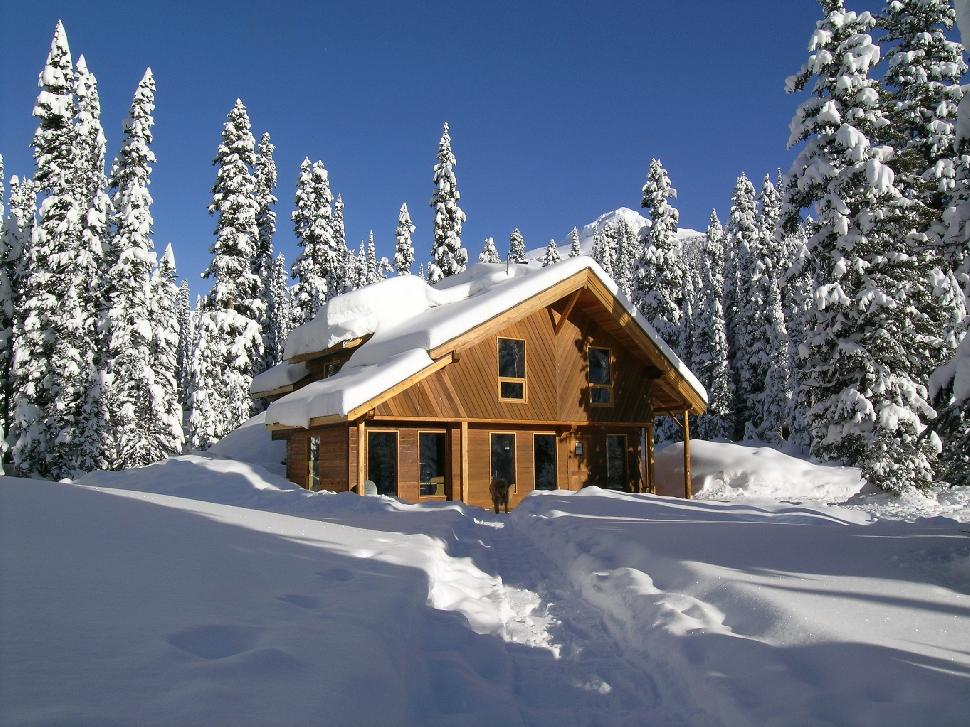 Mistaya Lodge Golden Snow Active Ski Snowboard Downhill Winter Snowy